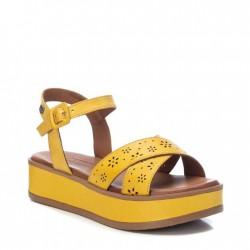 žluté kožené sandálky na platformě Carmela 67771