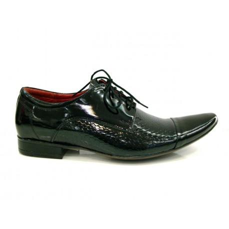 černá kožená společenská obuv