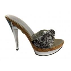 zdobené elegantní pantoflíky na podpatku
