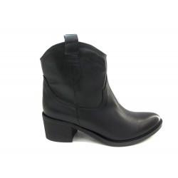 černá kožená kotníková obuv