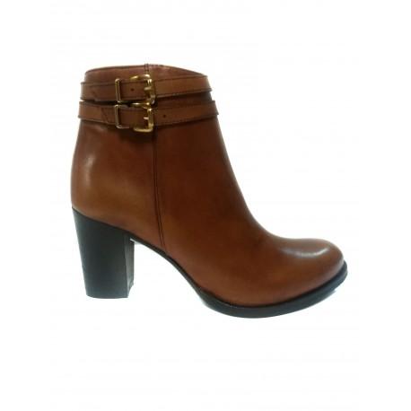 černá kožená kotníková obuv na podpatku