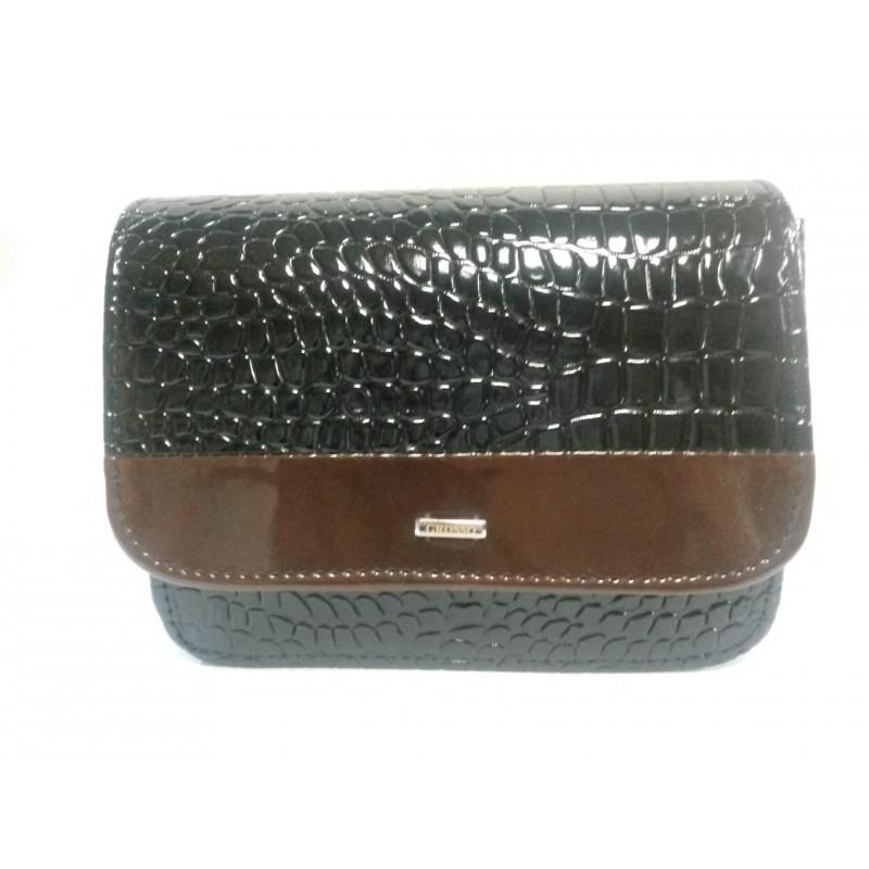 27247b05b3 černá lakovaná crossbody kabelka GROSSO M142 - Danea-Shoes