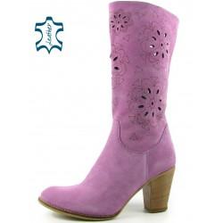 jarní dámské semišové lila kozačky na podpatku